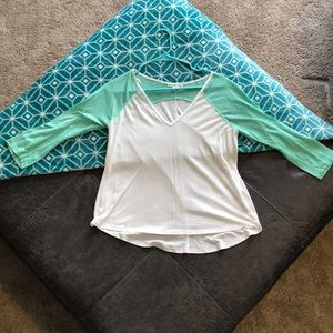 2/3 sleeve Teal and white tee